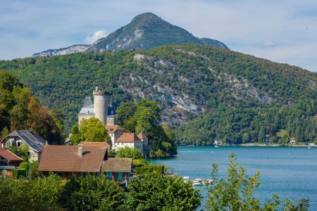 A castle on the lake in Annecy